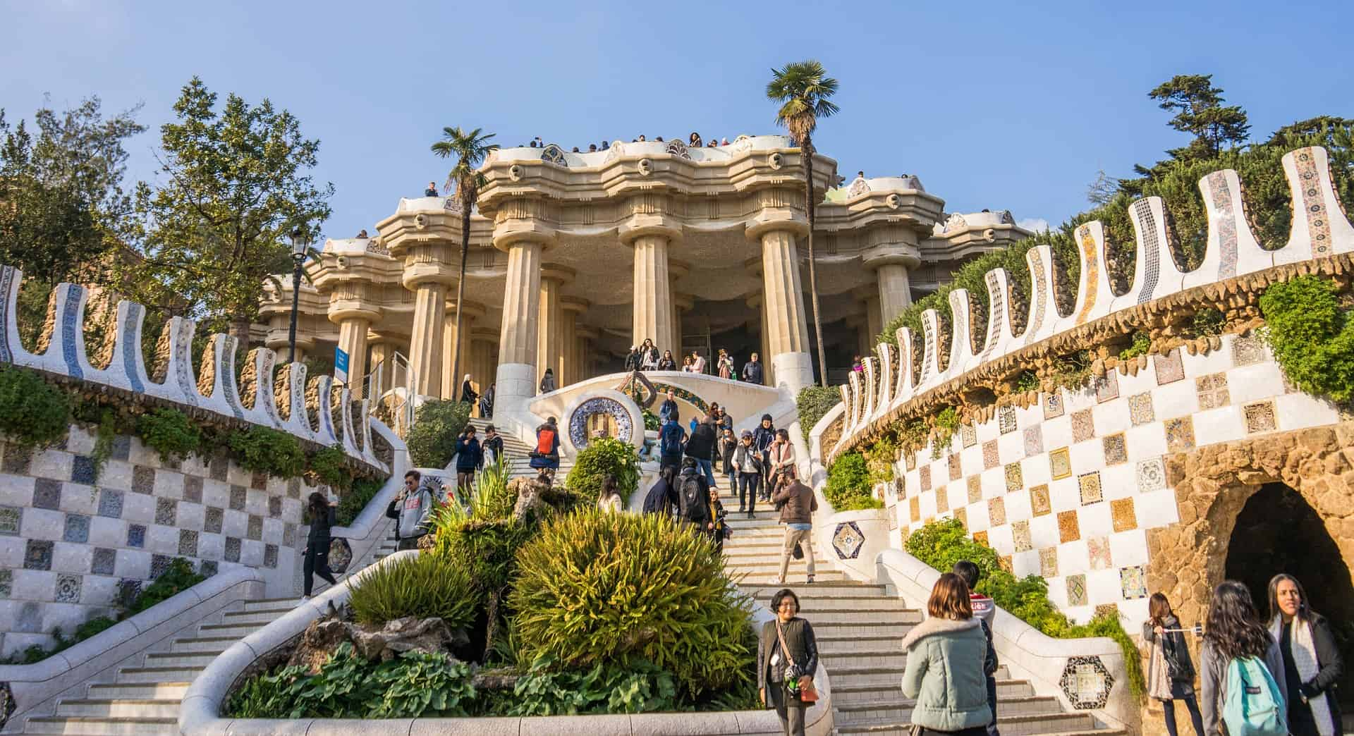 Read more about the article Exploring Barcelona With A City Trip