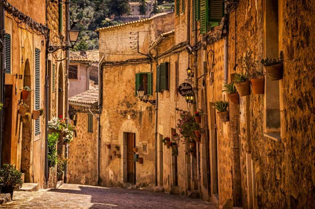 10 Countries In Europe You Must See at Least Once In A Lifetime - Spain